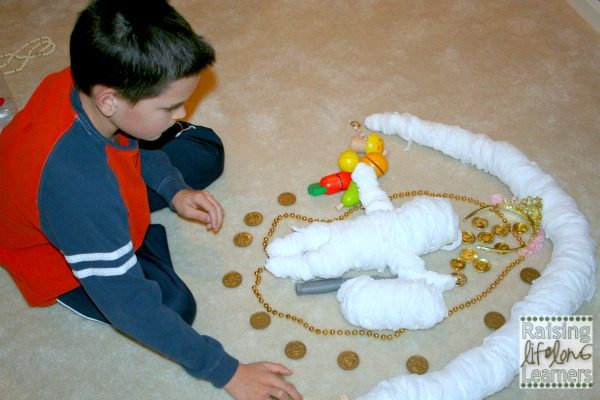 Hands-On Creative Play with History