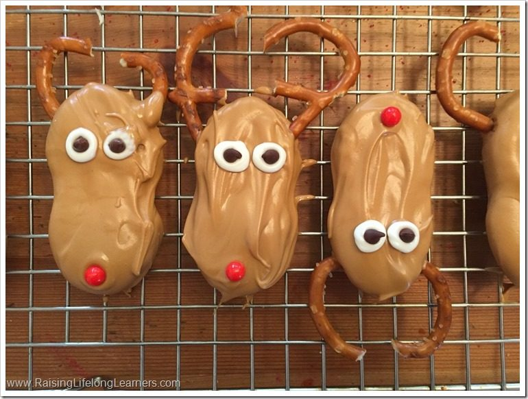 Easy Christmas Cookies Nutter Butter Santas and Reindeer #NuttyForTheHolidays