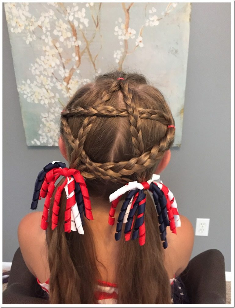 Tremendous 20 Easy Christmas Hairstyles For Little Girls Hairstyle Inspiration Daily Dogsangcom