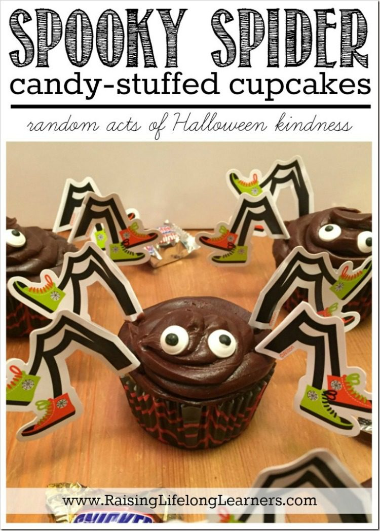 spooky-spider-candy-stuffed-cupcakes-acts-of-kindness-_booitforward-_cbias