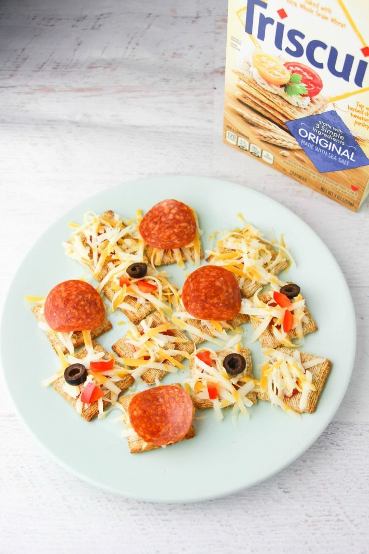 Simple Triscuit Mini Pizza Appetizers