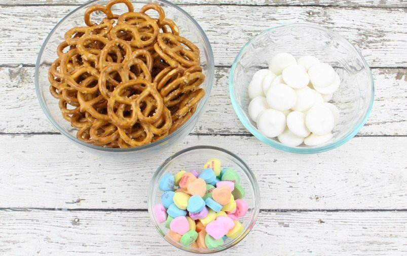 Valentine's Day White Chocolate Pretzels