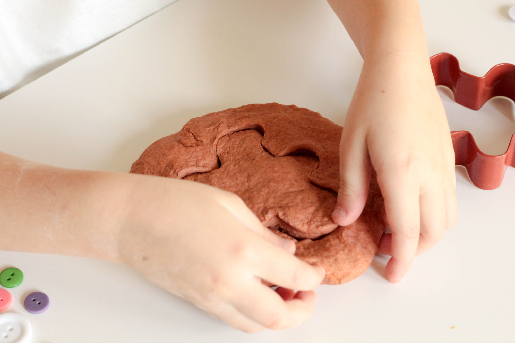 Gingerbread play dough is a fun sensory activity that mixes science and Christmas in a way kids will love! Perfect for Christmas!