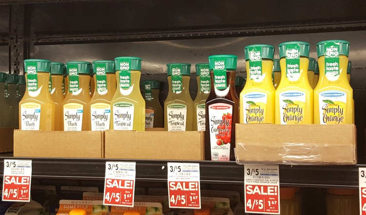 Simply Juices Are a Quick Grab and Go Snack for Busy Moms #SimplyAtGiantEagle #CollectiveBias