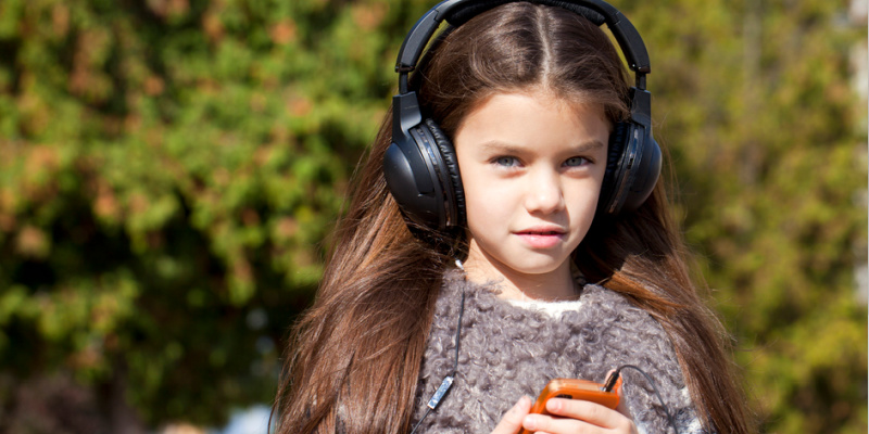 101 Reasons You Need Audio Books in Your Homeschool